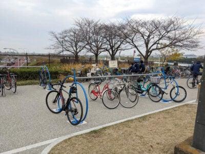 柴又公園に新しく設置されていたサイクルラック その2